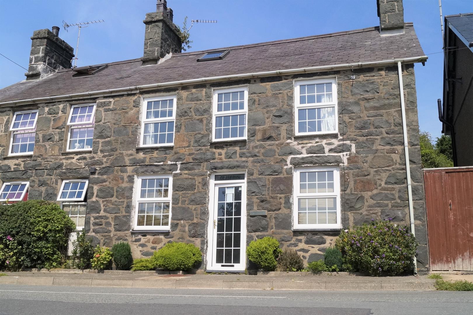 Sarn, Pwllheli - £175,000